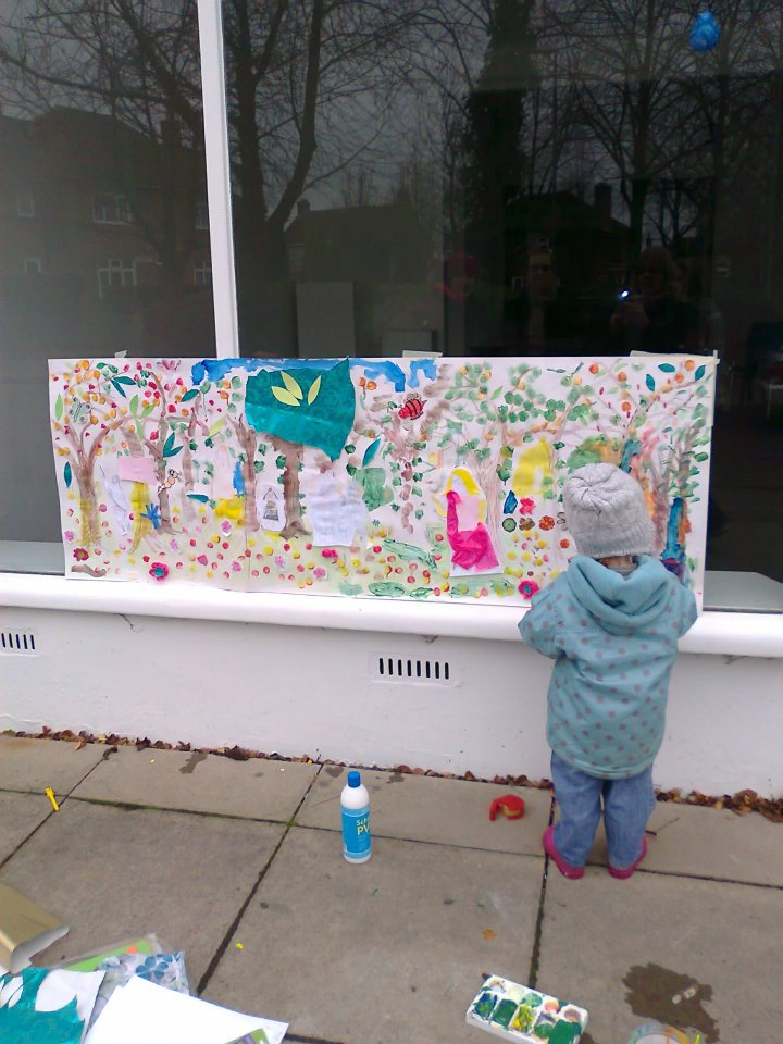 Child participating in Botticelli inspired workshop at the Cambridge Art Salon Jan 2012